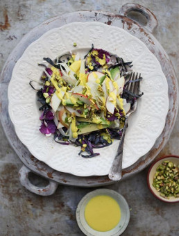 Crisp Apple & Fennel Salad with Turmeric Dressing
