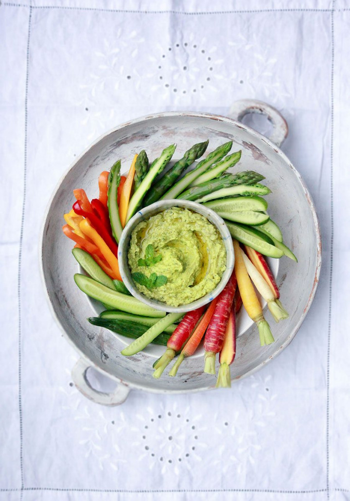 Broad Bin Dip with crudite