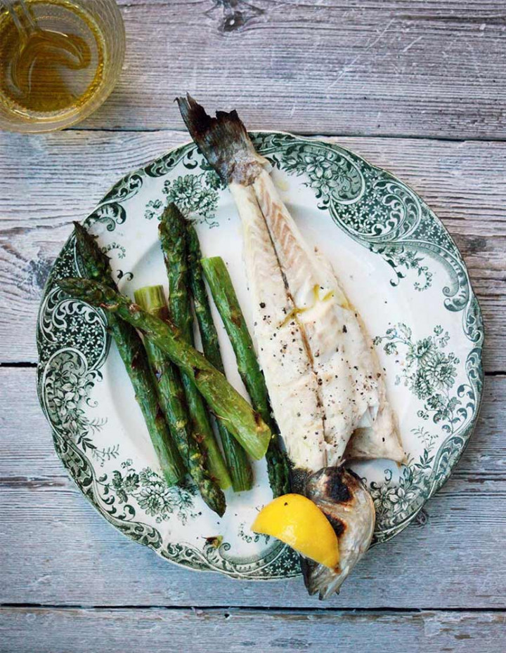 Grilled Seabass with Asparagus